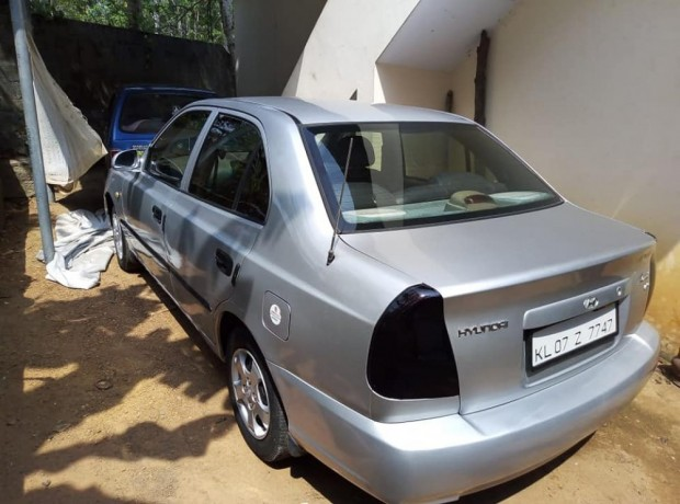 hyundai-accent-for-sale-petrol-big-1