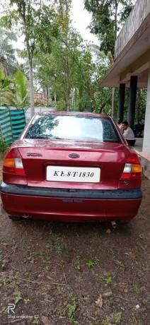 ford-ikon-2001-big-2