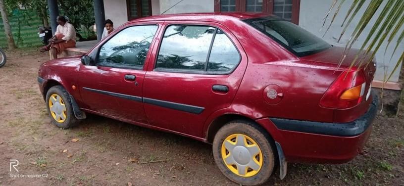 ford-ikon-2001-big-3