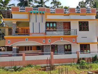 4bhk for sale in Kudappanakunnu.