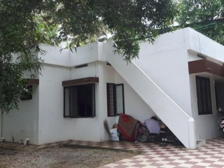 10 cents prime property 18 lakh, old house at Pattom