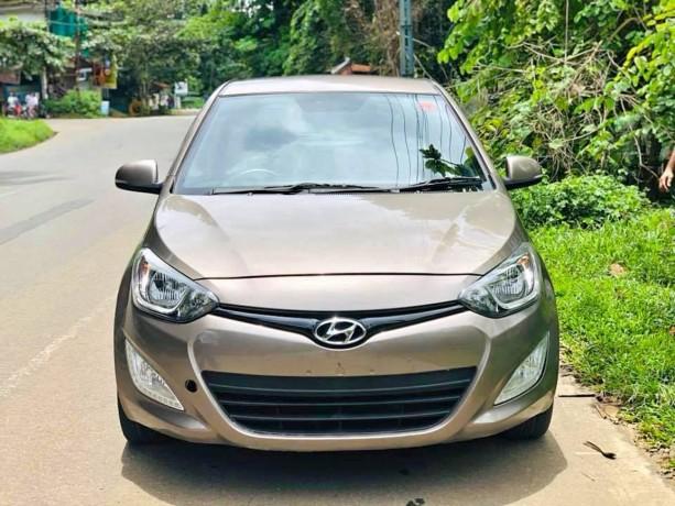 hyundai-i20-asta-2013-diesel-big-2