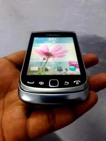 blackberry-torch-nd-curve-big-0